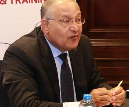 السفير الدكتور/ عزت سعد